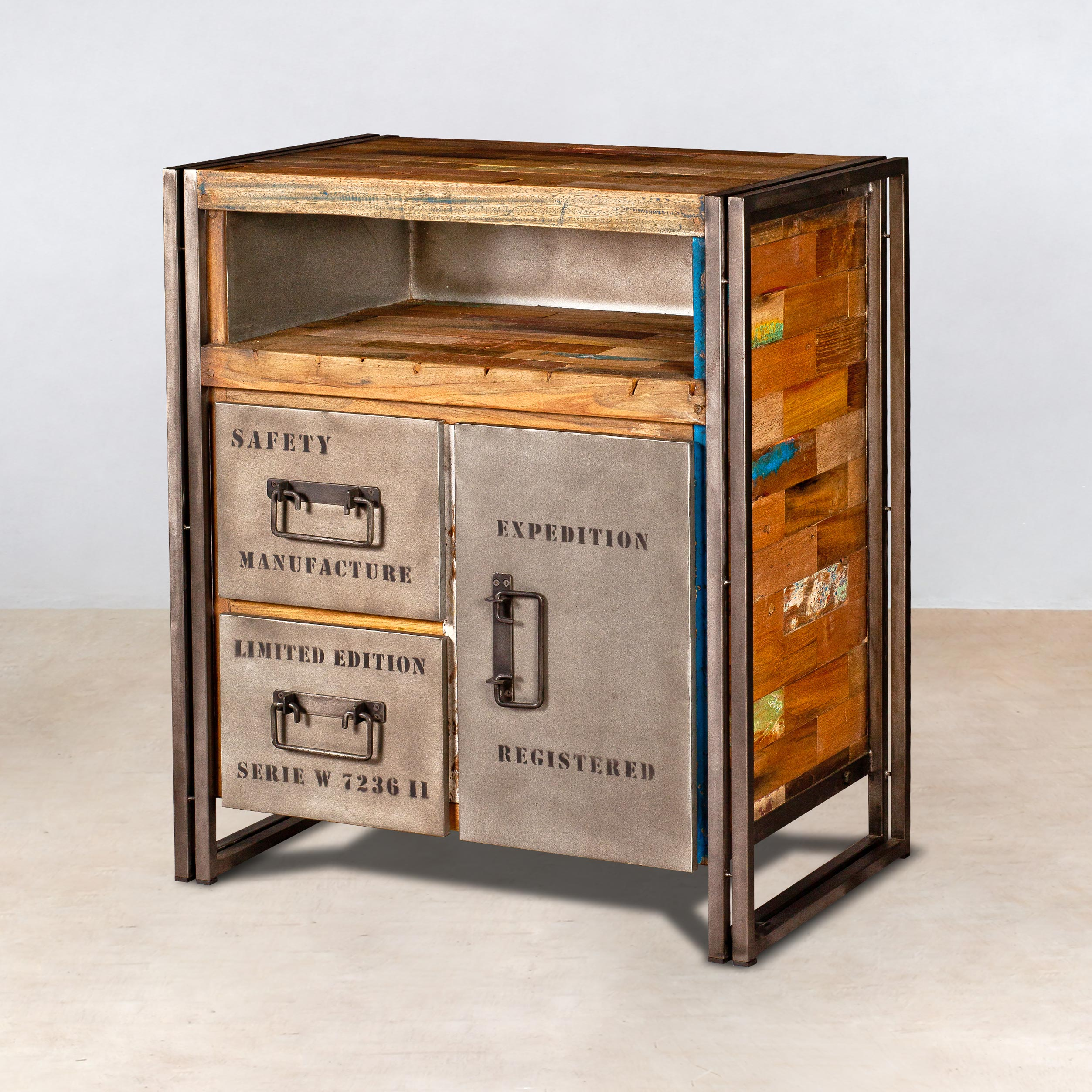 Buffet en bois recycl s 2 tiroirs 1 porte m tal for Meubles style marin