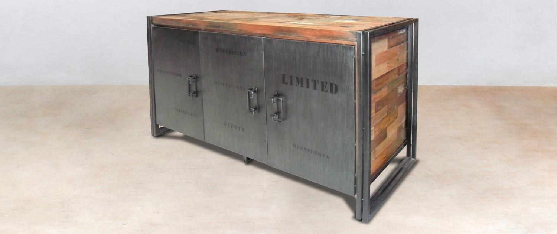 buffet en bois recycl s de bateaux 3 portes m tal industryal. Black Bedroom Furniture Sets. Home Design Ideas