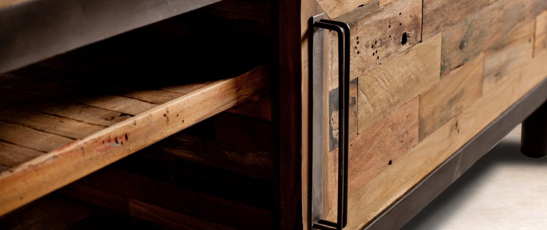 Meuble tv en bois recycl s 2 tag res 1 porte coulissante for Meuble une porte