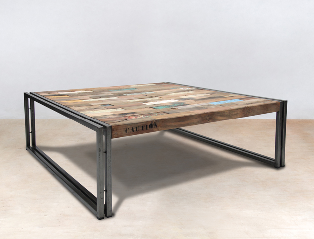 table basse carrée de 100cm en bois recyclés de bateaux -détails