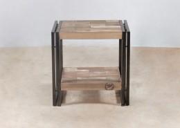 table de chevet en bois recyclés de bateaux - détails