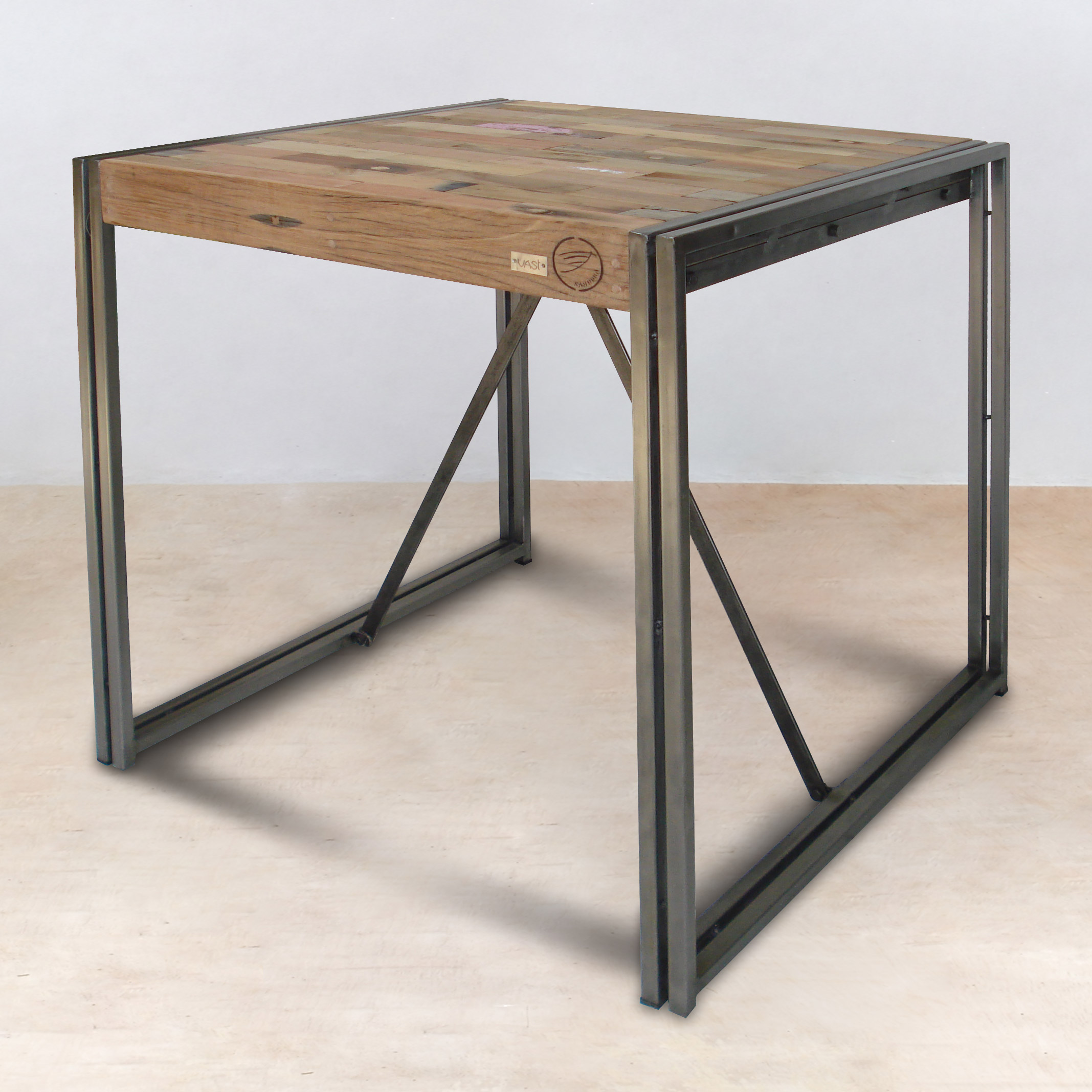 Table mange debout 100cm en bois recycl s industryal - Table a manger carree bois ...