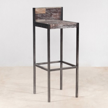 tabouret haut en bois recycl s avec dossier industryal. Black Bedroom Furniture Sets. Home Design Ideas